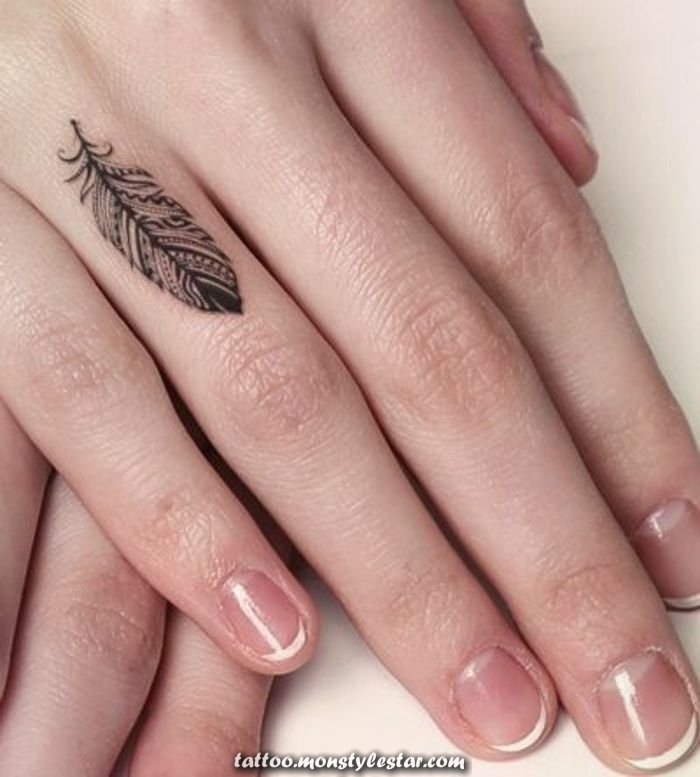 ▷ 1001 + Tattoo ideas with fingers and their meaning - Sophie Hoffmann