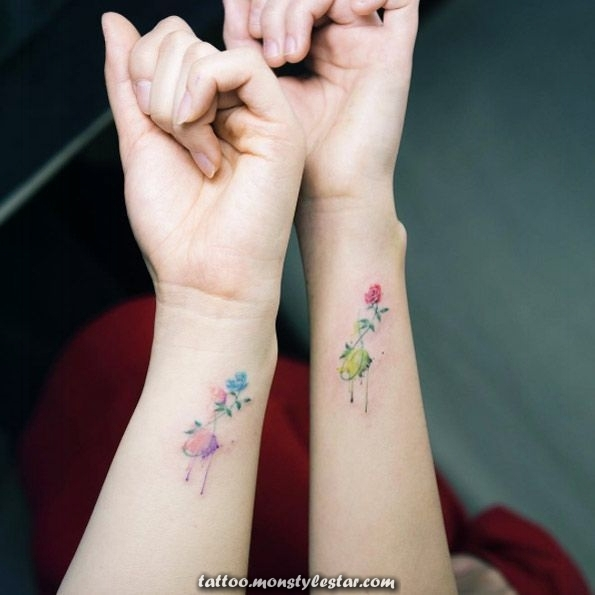 More than 40 cute and tiny floral tattoos for women - TattooBlend