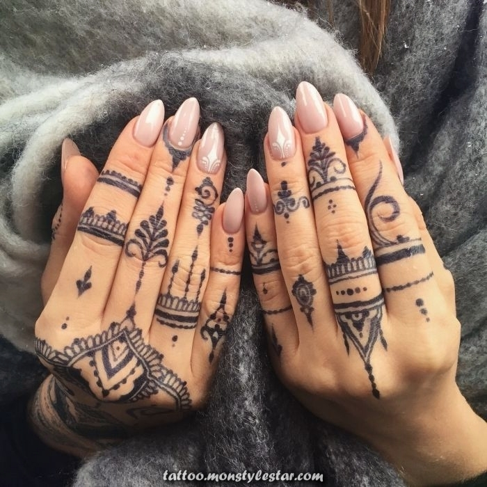 ▷ 1001 + Ideas for tattooing with your fingers and their meaning - ArchZine Germany