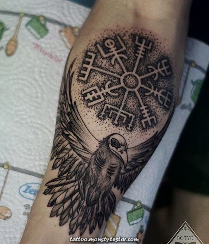 ▷ 1001 realistic and fresh Viking tattoos to inspire - Diana Brodbeck