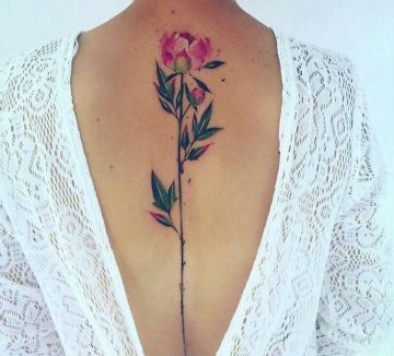 Elegant tattoo motifs for the spine of special charm - Lisa Müller