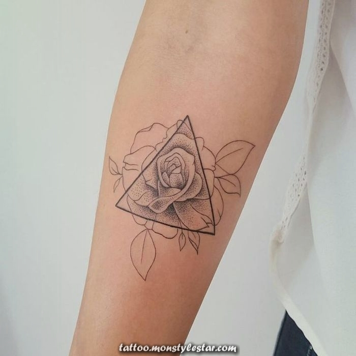 ▷ 1001 Ideas for flower tattoos and information about their meaning - Sarah
