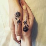 Hand tattoos for women: more than 50 designs of tattoos for beautiful hands - Lisa Lanza