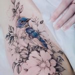 For the tattoo of the flower, all the flowers except a black and white - #alle #auf ...