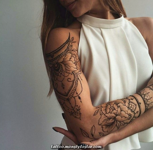 Get a henna tattoo, the fashion of the upper arm of the shoulder, Mandy Dudda