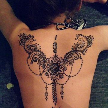 Henna tattoo: ancient art for temporary decoration of the skin with vegetable color - A ...