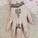 More than 100 Mehndi designs for girls (Simple and easy -2018 - Bea